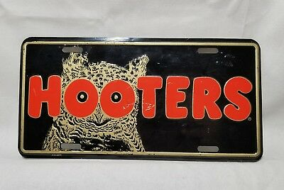 """Hooters """" Metal Auto License Plate Car Tag"""