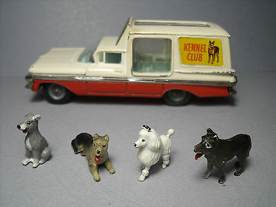 4  Figurines 1/43  Chiens  Set  314   Chevrolet  Corgi   486  Vroom  Unpainted