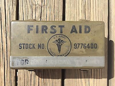Antique Vintage Used American WWII U.S. Army Emergency First Aid Kit Field Gear