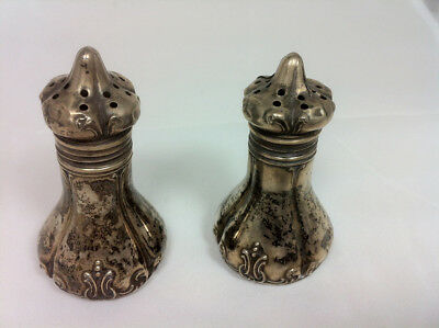 Victorian Pair: Salt & pepper - Sterling silver - Excellent condition
