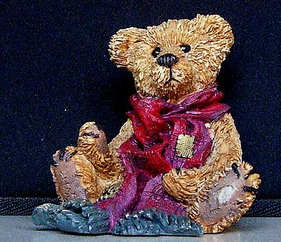 BOYDS BEARS & FRIENDS Grenville...with Red Scarf 2003-08 MULTIBLE BUYS DISCOUNT!