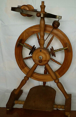 Pipy spinning wheel Wendy design made by Phillip Poore New Zealand. Perfect