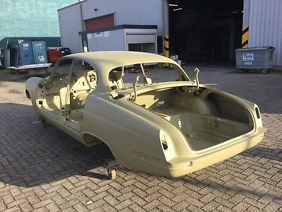 For Sale Sanded Body Jaguar 420G for Spare Parts Lost of good Body Parts