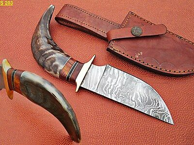 Custom Hand Made Damascus steel Hunting Skinner Knife With Sheep Horn Handle.