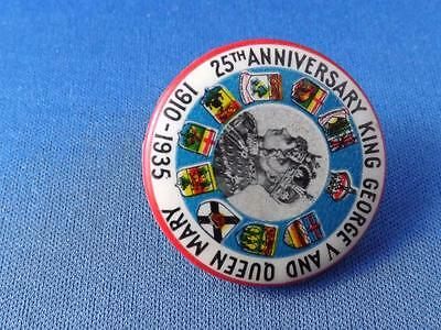 KING GEORGE V & QUEEN MARY 1910 1935 25th  BUTTON CHATHAM CAPITAL THEATER