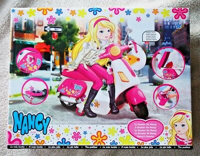 "NANCY´S SCOOTER (Helmet), most famous Spanish Barbie! 18"" x 13""!BRAND NEW IN BOX"