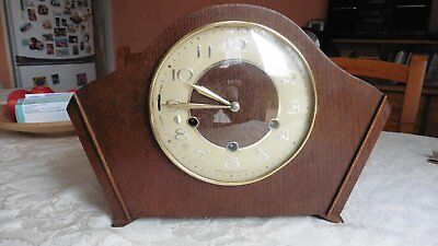 Vintage Smiths oak cased chiming mantel clock