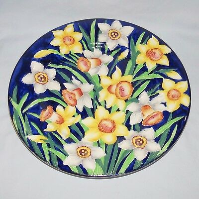 MALING ENGLAND TUBELINED DAFFODILS PLATE BLUE BACKGROUND c.1935