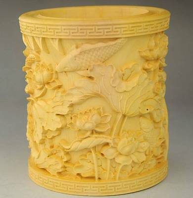 Very fine natural wood hand-carved Lotus sculpture brush pen pot