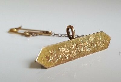 9ct solid gold engraved brooch / pendant  2.37g