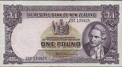 New Zealand 1 Pound  ND. 1960's  P 159d Prefix 233  Circulated Banknote