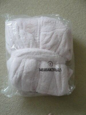 Lovely Soft Fluffy Pink Ladies Dressing Gown Brand New