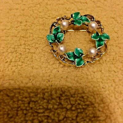 Vintage Gerrys Goldtone Green Leaf Wreath / Faux Pearl Pin