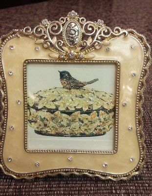 Sparkling pale yellow 4x4 antique pic frame. Beautiful!