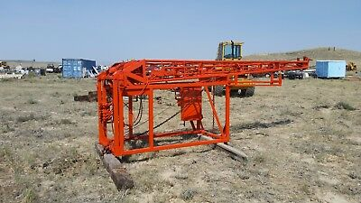 Monitor 32 water well pump hoist / same as smeal T4 / Can SHip