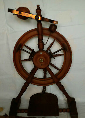 Pipy spinning wheel Wendy design made by Phillip Poore New Zealand.