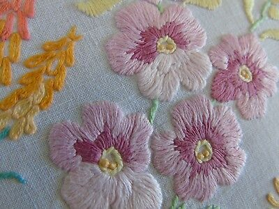 """Pretty Flowers,Vintage Hand embroidered tablecloth 32"""" x 34""""..84cms x 82cms GC"""