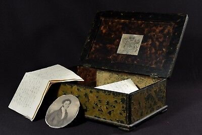 Great patina antique Regency box circa 1820 with personal contents
