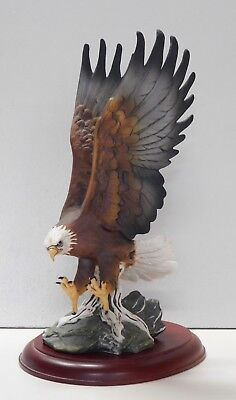 Patriotic  HOMCO Porcelain Majestic Bald EAGLE  Masterpiece Collection 1986