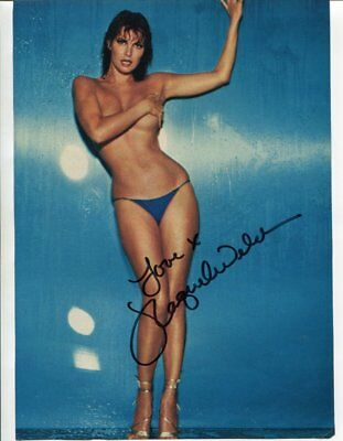 RAQUEL WELCH autograph HAND SIGNED 1911