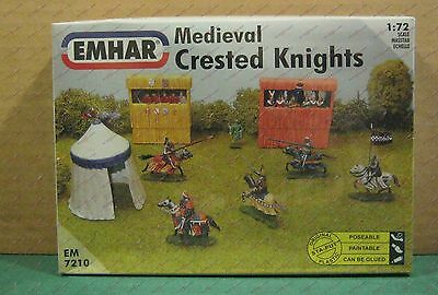 1/72 Medieval Crested Knights (7 Mtd, 1 Foot, Grandstand & Tent) Emhar 7210 Kit