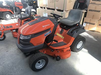 LOW HOUR Husqvarna YTH2242 Ride On Mower, Fab Deck, ONLY 81 HOURS USE $5699 New!