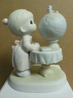"""Precious Moments """"WHAT THE WORLD NEEDS NOW""""  Figurine 524352"""