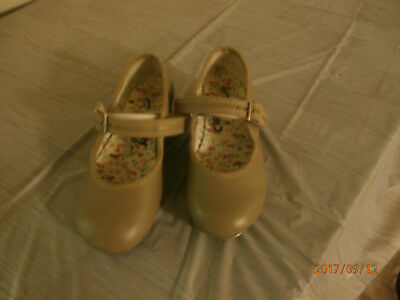Girls Tan Dance Tap Shoes Size 9 1/2 By Capezio Great Condition