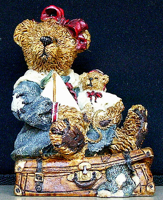 BOYDS BEARS & FRIENDS Bailey Bear with Suitcase 2000 Free W/Purchase Of $12!!