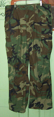 US ARMY MILITARY Camouflage Uniform Pants. Med-Reg Cold weather
