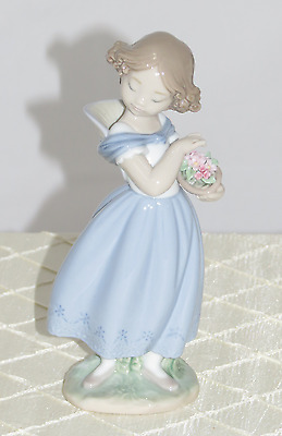 Lladro Adorable Innocence Figurine 1008247.new In Box