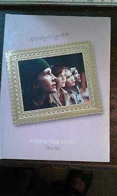 MONA LISA SMILE Press Kit includes PHOTOGRAPHY CD and MUSIC CD ! Julia Roberts