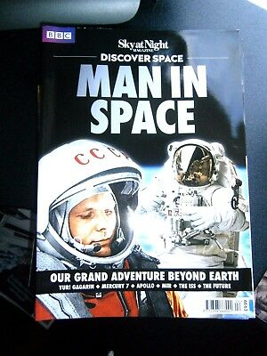Sky At Night Discover Space Man In Space Bookazine 2017 (new)