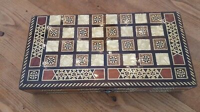 Backgammon Set - Mother of Pearl Design - Wooden - Beautiful