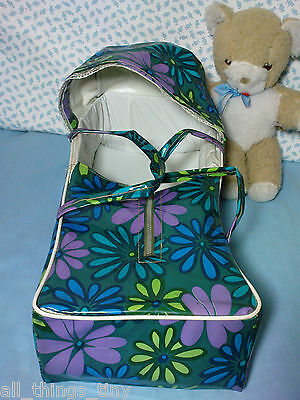 """Vintage Retro Dolls Carrycot 1970s TLC. Fits doll of up to 12"""" Teeny Tiny Tears"""
