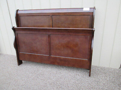 57993  Mahogany Queen Size Sleigh Bed with rails