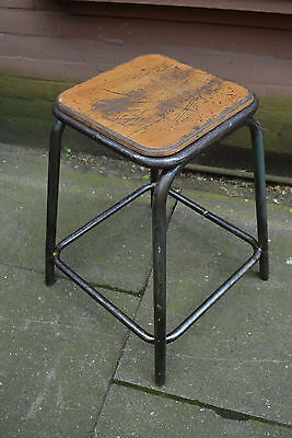 EIN Original alter Arbeitshocker Hocker industrial shabby chic