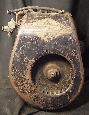 Vintage Briggs & Stratton Old 4 Cycle Gasoline Motor Turns Over Freely