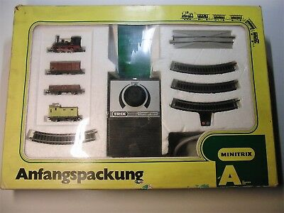 MINITRIX 51103400 Güterzug Anfangspackung A Gleisoval mit Trafo Spur N X548