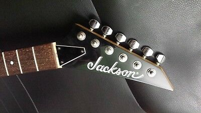 Jackson neck - 24 frets - machine heads, truss rod cover included