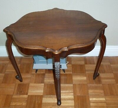 Small Victorian Occaisonal Table - Mahogany