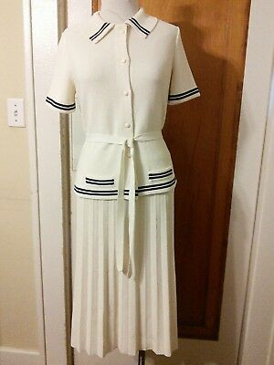 Vntg Womens 2 Piece Knit Suit Pleated Skirt Blouse Navy Blue Cream B38 W28