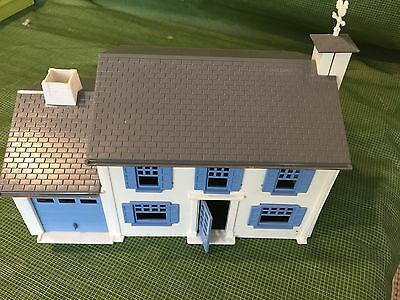 PLASTICVILLE (S/O Scale) - Two Storey Ranch House, Blue Trim - Estate Sale - 3