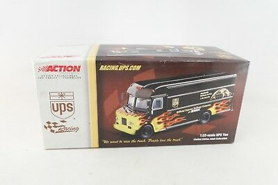 2001 Action 1/32 Scale - Ups Flame Van We Want To Race The Truck Nascar Mib