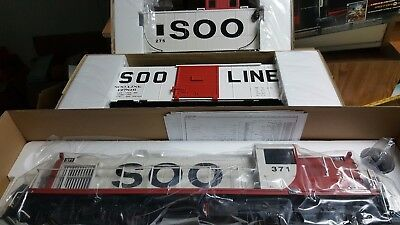 Aristo-craft 2005 club cars Soo line RS3 Boxcar & Caboose NIB