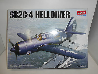 Curtiss Sb2C -4 Helldiver Us Navy Ii Ww Academy 12406 Hobby Models Kit 1:72