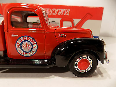1940 Ford Tanker Red Crown Diecast Metal Coin Bank 1/25Th 1994 Ultra Edition