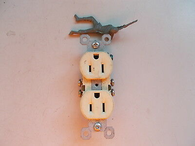 PS Duplex Receptacle Outlet 15A 125V Ivory *FREE SHIPPING*