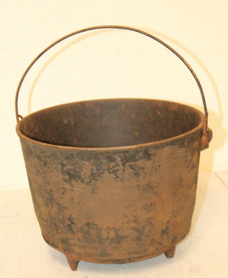 Large Vintage Rustic Cast Iron #8 Footed Cauldron Pot Dutch Oven Halloween Deco