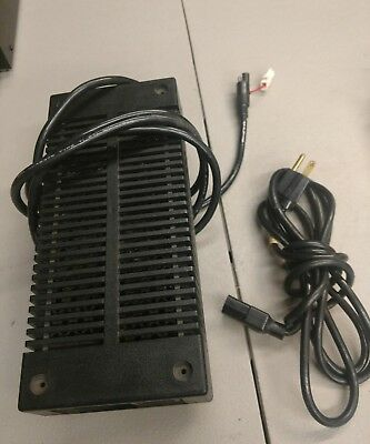 Oem Motorola Two-Way Radio Base Station 14.1V Power Supply Hpn4001B Ae210-3101